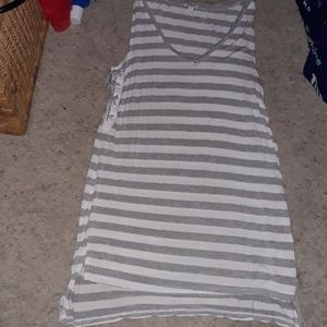 GRAY & WHITE STRIPE SIZE LARGE SPLENDID BRAND NWOT